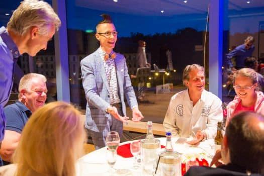Zauberei am Tisch in Halle Schkeuditz